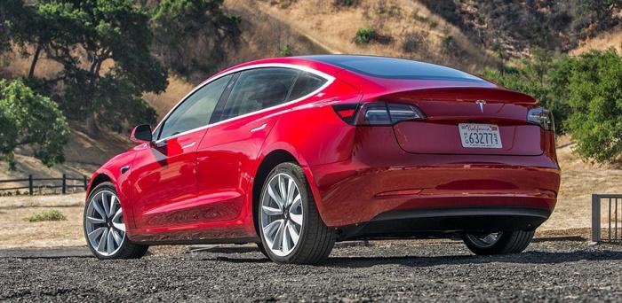 Продажи Tesla в России скакнули на 92%