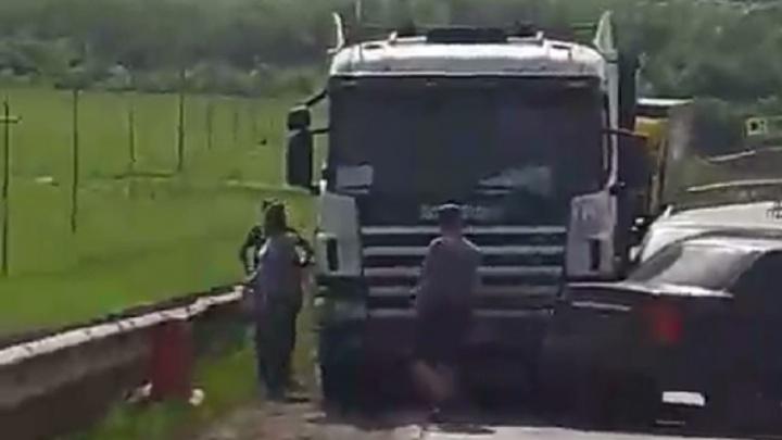 В Башкирии женщина подралась с водителем Scania