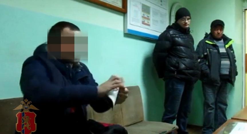 Лихач вКрасноярском крае порвал паспорт после отказа пройти тест натрезвость