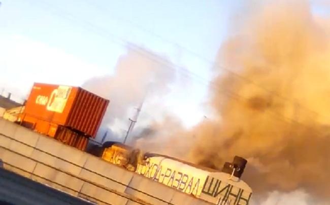 Пожар в Ростове Великом: дым валит со стороны вокзала