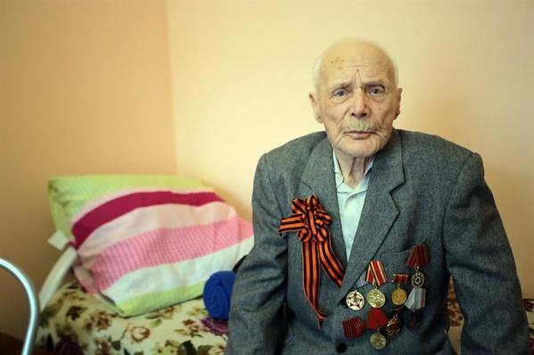 Сергей Константинович прошел через войну, служил в войсковой части под Ленинградом