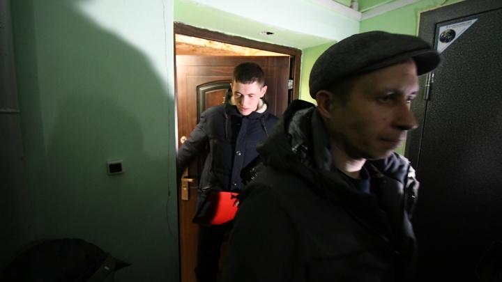 Следователи проверили квартиру, где жил убитый девятилетний мальчик из Белоруссии. Онлайн