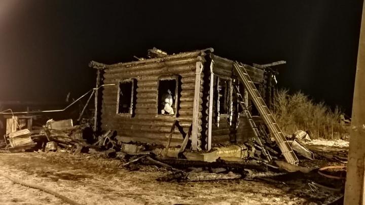 Три ребенка погибли в пожаре в Ярославской области: первые подробности