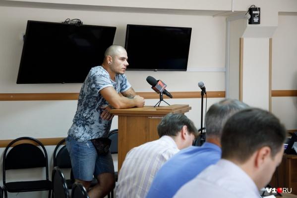 За угон лодки Епифанов получил год условно
