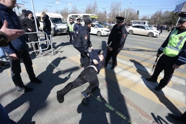 На субботней акции полиция отказывалась от диалога с митингующими