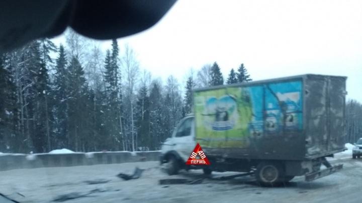 На Восточном обходе Перми погиб водитель Hyundai Accent. Видео