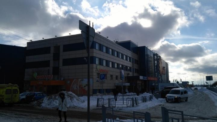 Пожилой тюменке, упавшей с эскалатора, администрация ТЦ «Южный» выплатит 100 тысяч рублей