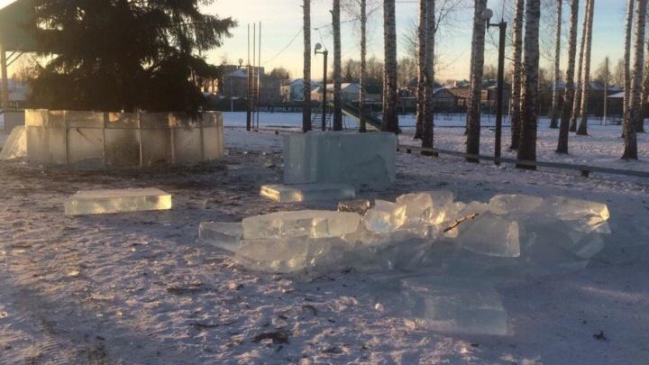 В Башкирии вандалы разбили ледовый городок
