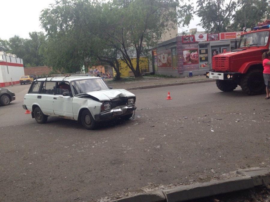 ДТП вОмске: при столкновении 2-х отечественных легковых автомобилей пострадали дети