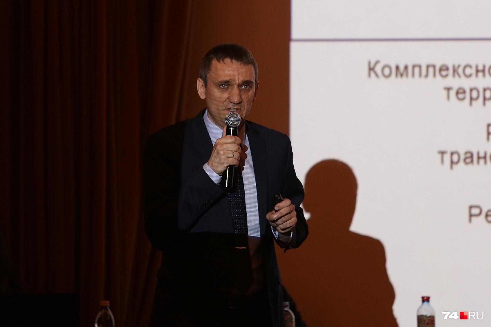 Главный инженер «ГИПРГОРа» Владислав Татарников, кажется, оказался не услышанным