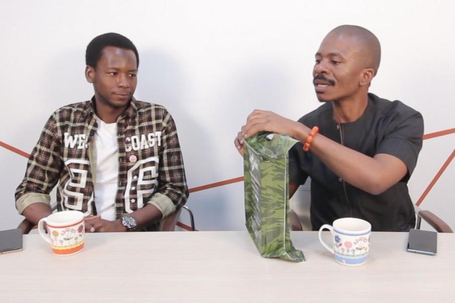 Ламин из Республики Гвинея (слева) и Принс из Нигерии (справа) первый год живут в России