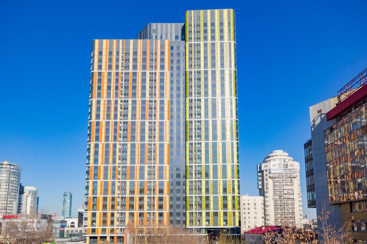 Первые три этажа «Тринити» отданы под коммерческие помещения: здесь будут рестораны, магазины, фитнес-центр, салон красоты