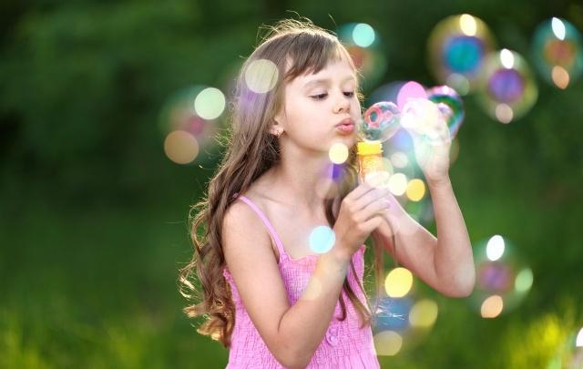 Как порадовать ребенка на весенних каникулах: идеи развлечений