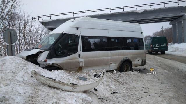 Массовая авария на Пашинском шоссе: в больницу обратились ещё 8 пассажиров маршрутки