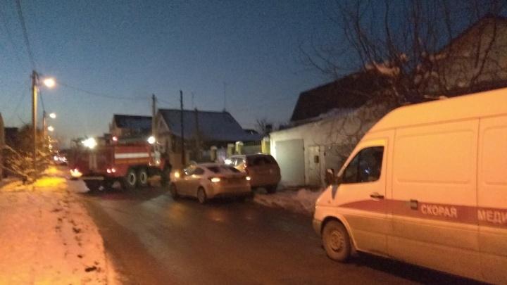 В Волгограде загорелся частный дом