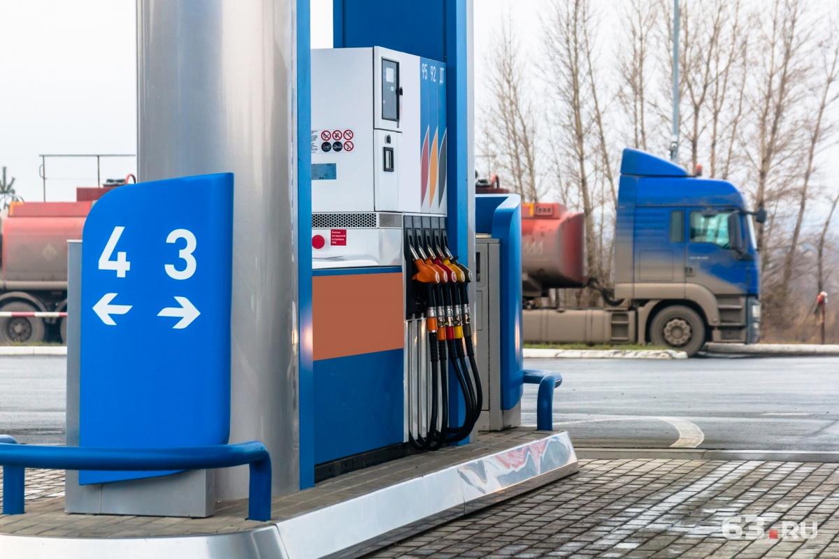 Цена набензин вКировской области превысила 50 руб.