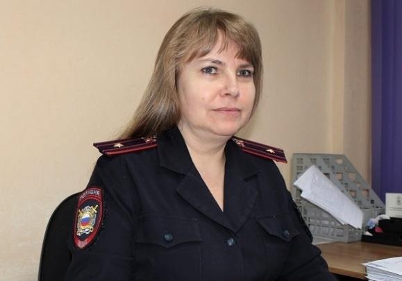 Майор полиции из Железногорска создает авторские духи и украшения