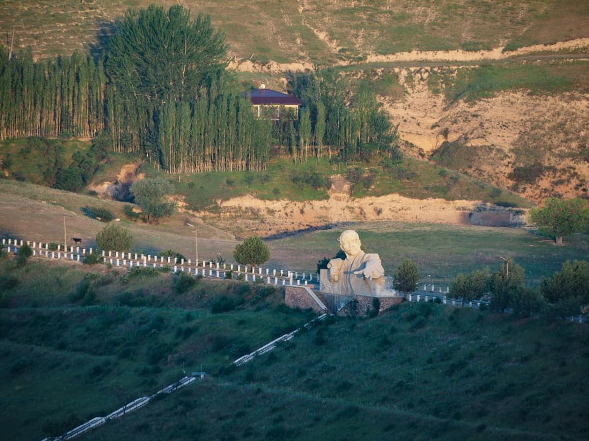 Таджикистан, Каттасайское водохранилище, город Далёни поён