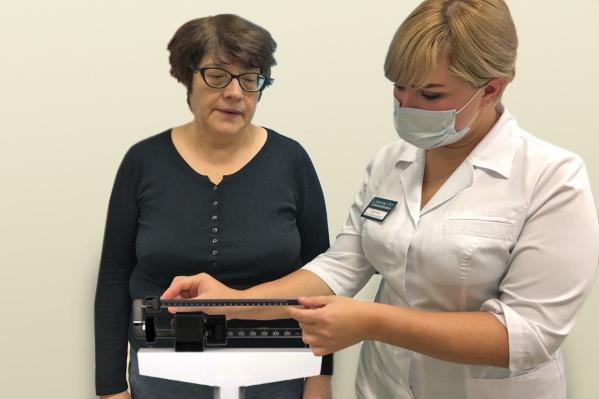 В медцентре «Доктор Ост» заверяют, что лишние килограммы будут уходить без диет и тренировок, сами собой в течение целого месяца