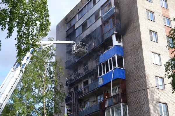 В Архангельске горела многоэтажка: огонь охватил сразу пять этажей