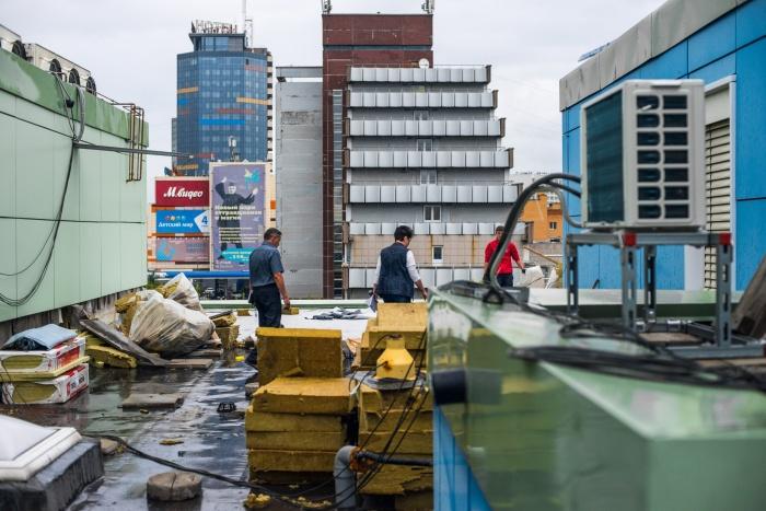 Риска затопленных операционных больше нет — рабочие ускорили ремонт после публикации на НГС