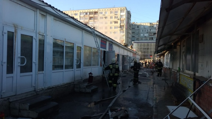Замкнуло проводку: спасатели назвали причину пожара на рынке «Олимпия»