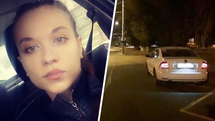 «Ударил ножом в горло»: в Ростове на девушку-таксистку напали пассажиры