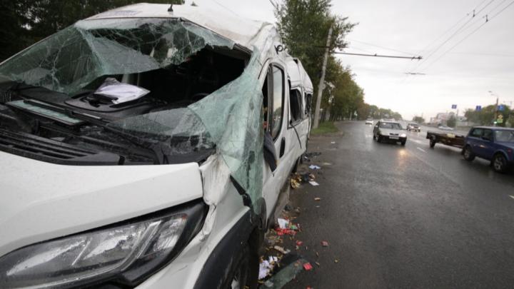 В челябинской больнице умерла 17-летняя пассажирка автобуса, попавшего в ДТП с мусоровозом