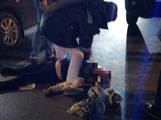 «Пытались привести в чувство»: на Гагарина — Мяги автомобилист сбил женщину