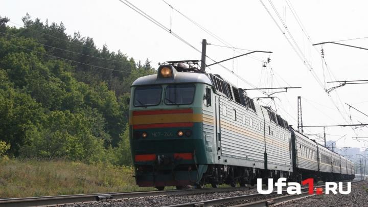 В Башкирии 59-летний мужчина попал под поезд