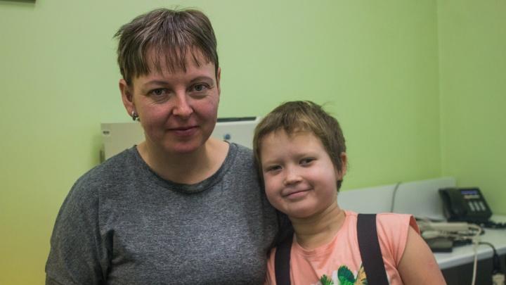 «Ребёнок был в коме — отсюда последствия»: врачи спасли от приступов девочку, разбившую голову в ДТП
