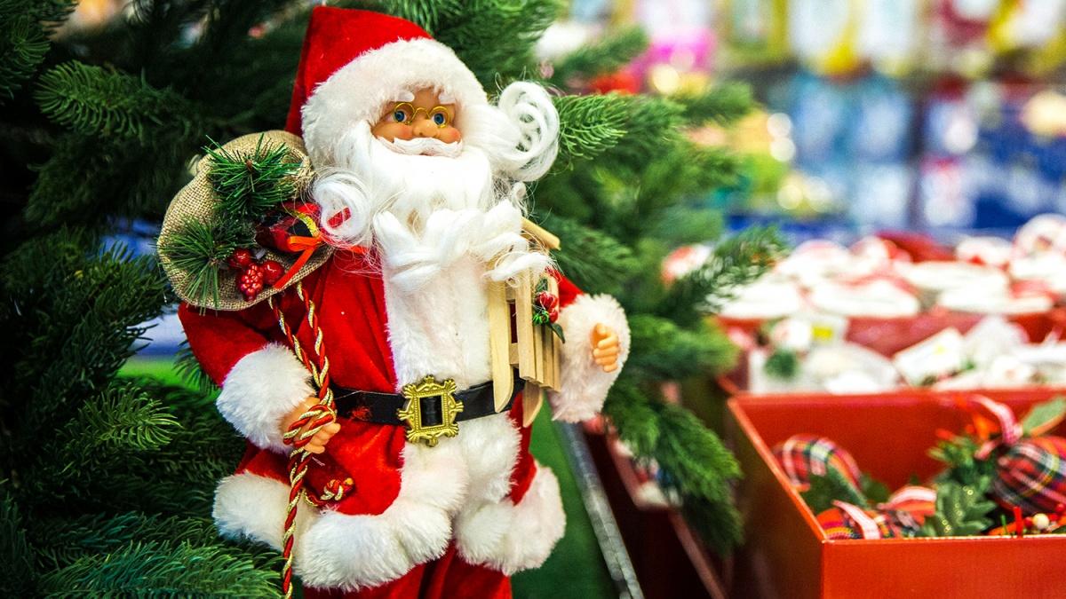 Санта-Клаус успел раздать больше 4 миллиардов подарков к католическому Рождеству