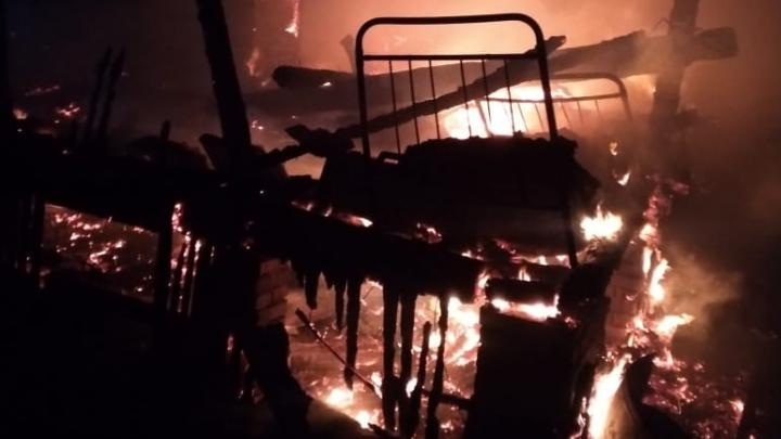 В Башкирии сгорели мать и два ребенка, младшему было всего два года
