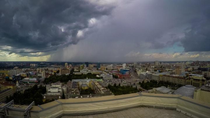 Таймлапс: внезапный ливень и потоп в центре Новосибирска