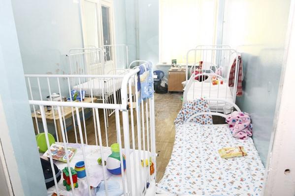Мальчик вместе с мамой сейчас лежит в областной детской больнице