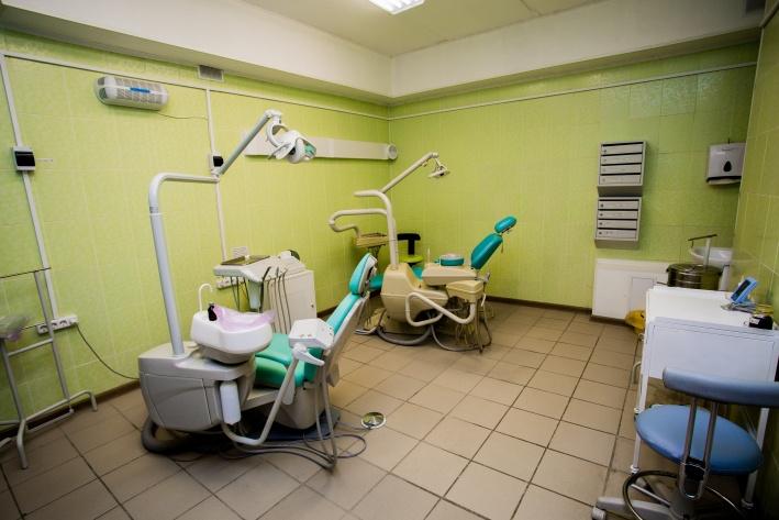 Стоматологи бесплатно примут взрослых и детей, которые не могут ночью терпеть зубную боль