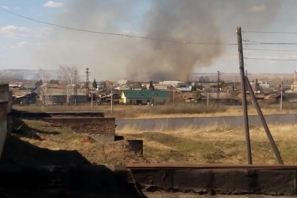 Пожары в деревнях под городом