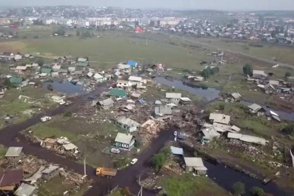 Паводок в Иркутской области начался в конце июня и за несколько дней затопил тысячи домов