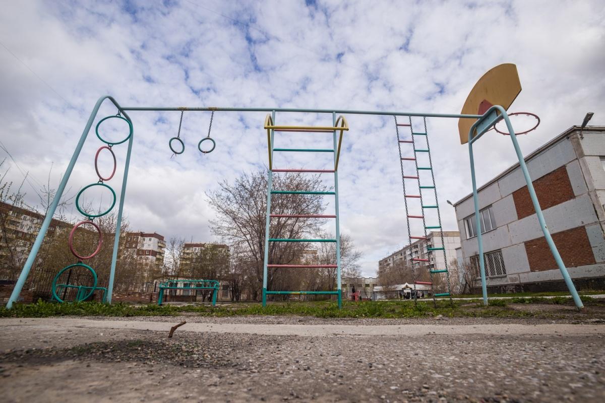 Площадка в детском саду в плохом состоянии