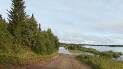«Не паникуют — старая закалка»: как люди справляются с последствиями разлива рек в Лешуконье