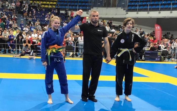 Все три девочки из екатеринбургской команды взяли по две медали