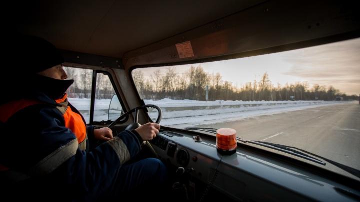 Рейсовый автобус с 25 пассажирами заглох на морозе под Новосибирском