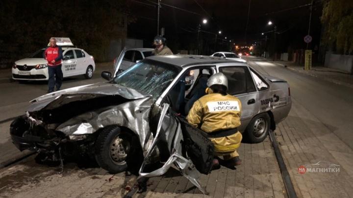 «В машине нашли бутылки»: очевидцы сообщили об аварии с погибшим на перекрёстке в Магнитогорске