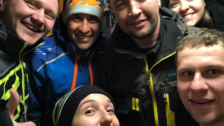«Построили шалаш, жгли бензин из снегоходов»: туристы рассказали E1.RU, как им удалось выжить