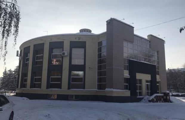 «Проклятие места»: в центре Челябинска продают здание, в котором не прижились рестораны