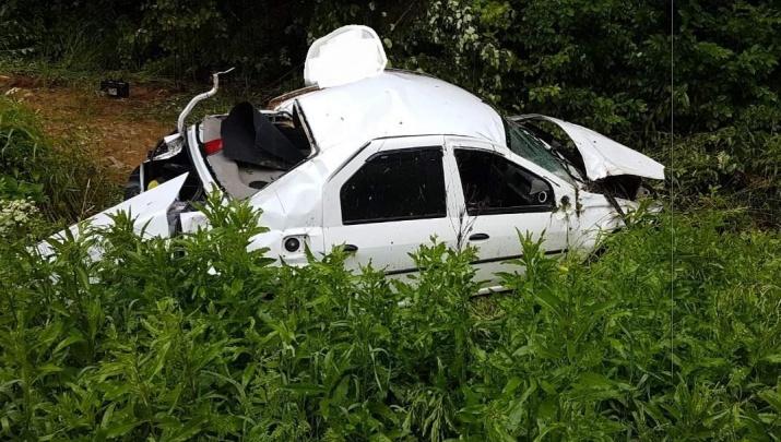 Восстановлению не подлежит: в аварии под Ярославлем пострадали три человека