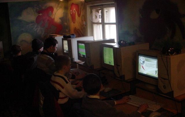 «Мы прогуливали школу, чтобы поиграть»: вспоминаем историю компьютерных клубов Красноярска