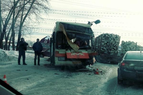 ДТП произошло на перекрёстке улицПромышленной и Городской