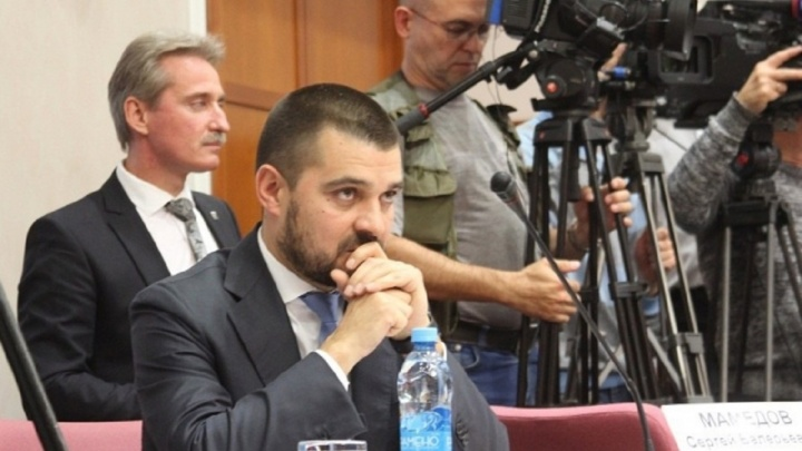 Самарского сенатора обманули на 16,5 миллиона рублей при продаже машин