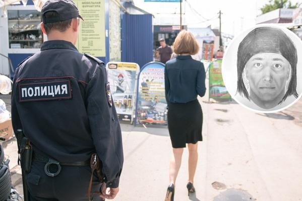 Полицейские обходят район с новым фотороботом